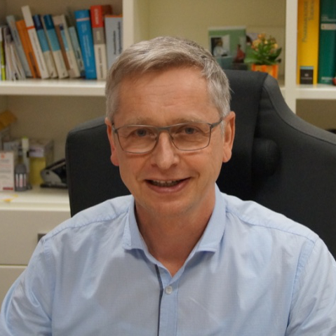 Dr. Frank Zillekens
