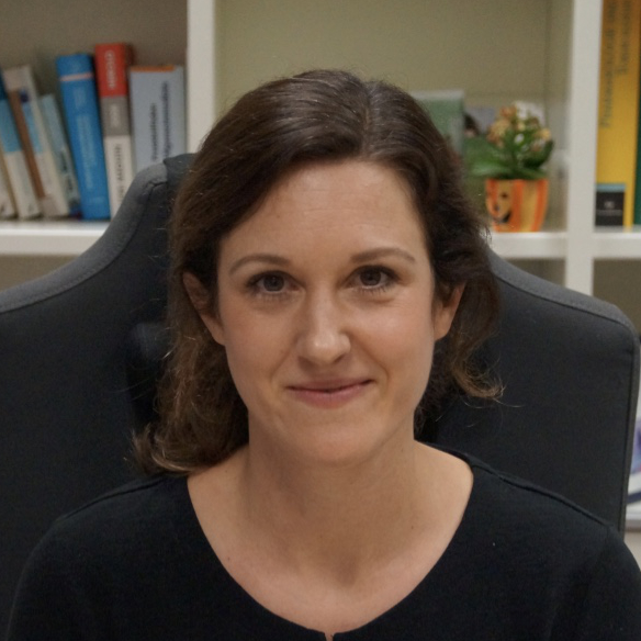 Dr. Melanie Mombartz